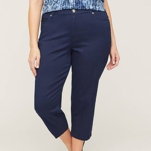 💥  Fashion Bug Navy Capri NWOT